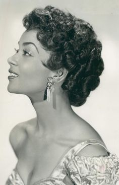 Famous Black Actresses in History Actress and singer Sheila Guyse is remembered for her work in theater . Vintage Black Glamour, Vintage Beauty, Vintage Hair, Retro Vintage, Vintage Modern, Sheila, Black Actresses, 50s Actresses, Old Hollywood Actresses
