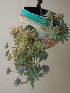 Vasos artesanais de capacete recicláveis