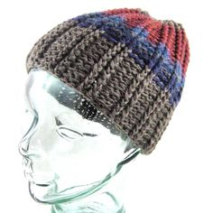 Now that's a smoooooth noggin' #etsy #beanie #cheers #newmoon #wool #crochet #internationalmountainday #hooak #madeinLA #franklinvillage #cheremoya by nadiajeantaalbi