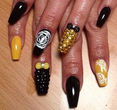 Black and yellow Nail Mania, Studded Nails, Pedicures, Nail Ideas, Mustard, Nail Designs, Friday, Make Up, Fresh