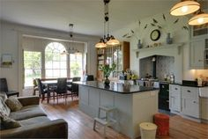 Beautiful kitchen - I found this on Rightmove