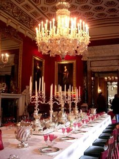 Chatsworth House.... Oh my God it's the dining room from Beauty and The Beast!!