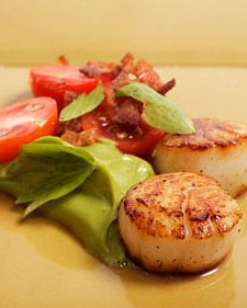 I will probably never get to make this, but it looks so GOOD! Seared Scallops with Bacon, Tomato, and Avocado Puree - Martha Stewart Recipes Seafood Scallops, Fish And Seafood, Pureed Food Recipes, Cooking Recipes, Healthy Recipes, Cooking Ideas, Healthy Food, Healthy Eating, Yummy Food