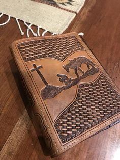 Cowboy Kneeling at the Leather Cross Bible Cover Leather Carving, Leather Art, Leather Books, Custom Leather, Leather Design, Leather Tooling, Leather Jewelry, Handmade Leather, Leather Bible Cover