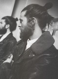 beard x man-bun Moustaches, Hairy Men, Bearded Men, Look At You, How To Look Better, Hair And Beard Styles, Long Hair Styles, Bun Styles, Mode Swag