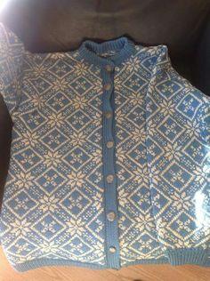 Gjestal Norwegian Knitting, Fair Isles, Pixie Cuts, Knitting Patterns, Knitting Ideas, Knit Crochet, Sweaters, Cardigans, Shirt Dress