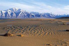 Las arenas de Chara, un desierto que emerge en medio de los glaciares de Kodar, en Siberia.