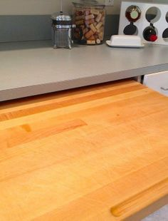 How To Clean  Deodorize a Wooden Cutting Board (Naturally!) THIS ONE TELLS THE KIND OF OIL TO USE!!