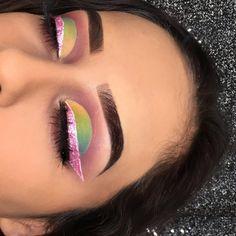 My cousin Alejandra created this beautiful eye look. Inspo: Daisy Marquez Follow my cousin's IG: Alejandrammakeup