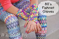 Make your 80's costume awesome with these easy Fishnet Gloves #freecrochetpattern #80s #crochet