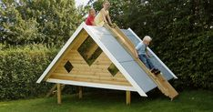 Billedresultat for legehus brugt Pirate Bedding, Play Spaces, Diy Bed, Cubbies, Decoration, Kids Playing, Outdoor Gear, Shelter, Tent