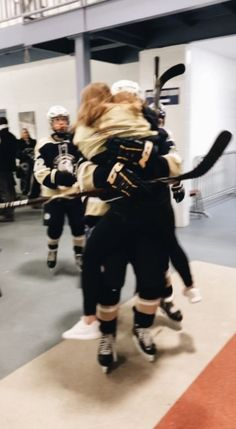 So I saw this and I was like shit Meraud would fricking love.-So I saw this and I was like shit Meraud would fricking love hockey So I saw this and I was like shit Meraud would fricking love hockey - Wanting A Boyfriend, Boyfriend Goals, Future Boyfriend, Relationship Goals Pictures, Cute Relationships, Relationship Captions, Relationship Videos, Relationship Gifts, Cute Couples Goals