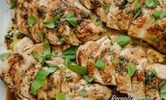 Kall marinerad kycklingfilé Cold marinated chicken fillet is suitable for buffet, party, party or everyday. Easy to prepare before. The chicken can also be served warm or lukewarm. Healthy Sauces, Healthy Recipes, Homemade Sauerkraut, Oven Vegetables, Pickled Cabbage, Great Appetizers, Marinated Chicken, Savoury Dishes, Betta
