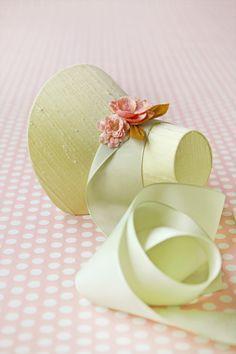 Tutorial: miniature Easter bonnet / party favor