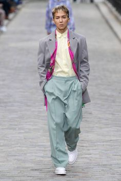 See all the Collection photos from Louis Vuitton Spring/Summer 2020 Menswear now on British GQ Lv Men, Gq Magazine, Crocodile Skin, Paris Fashion, Fashion Models, Street Wear, Runway, Colour Match, Menswear