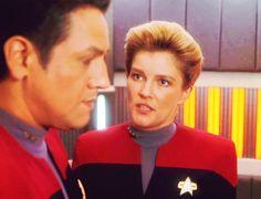 Janeway and Chakotay - Star Trek Voyager Photo - Fanpop Captain Janeway, Kate Mulgrew, Star Trek Voyager, Otp, Geek, Entertainment, Actors, Geeks, Entertaining