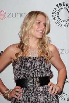 Busy Philipps shines in wavy, blonde hairstyle