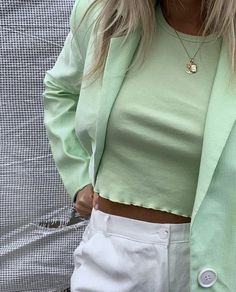 Shaina Mote Spring 2020 Ready-to-Wear Collection – Vogue Trendy Winter Fashion Ideas Kendra Alexandra on IG Pastell Fashion, Mint Green Outfits, Mint Green Clothes, Mode Pastel, Look Fashion, Fashion Outfits, Fashion Beauty, Green Fashion, Fashion Tips