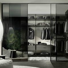 Rimadesio Zenit inloopkasten is een licht en veelzijdig systeem, geschikt voor elke kamer in het huis. Gezegend om haar compositorische veelzijdigheid. -