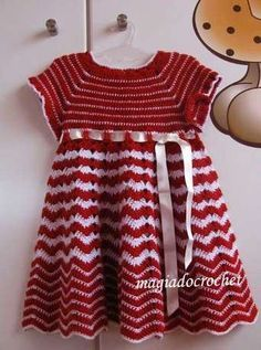 [free knitting pattern baby striped dress, colorwork