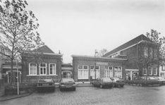 Nieuwehaven 308-312: de Tweede Kosteloze School uit 1891 naar ontwerp van L. Burgersdijk (1998).
