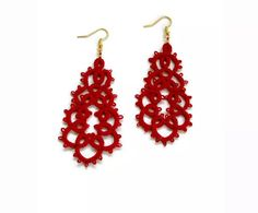 LE 15 MIGLIORI IDEE REGALO SOTTO I 50 EURO — No Time For Style Lace Earrings, Lace Jewelry, Crochet Earrings, Dangle Earrings, Brass Hook, Tatting Lace, Tatting Patterns, Red Glass, Statement Jewelry