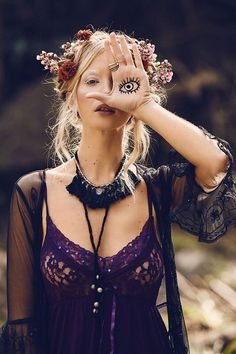 Tree of Life Spring 2016 Campaign, Pagan Moon. Photographed by Ming Nomchong. Gypsy Style, Hippie Style, Bohemian Style, Boho Chic, My Style, Bohemian Fashion, Hippie Bohemian, Hippie Chic, Boho Gypsy