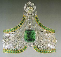 Russian emerald and diamond tiara