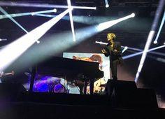 Tom Odell, İstanbul Konserinde Türk Bayrağını Dalgalandırdı! – En Son Neler Oldu?