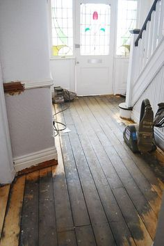 Diy guide how to professionally sand wooden floors floorboards diy guide to sanding floors solutioingenieria Image collections