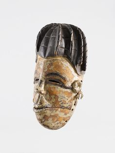 Ogoni MASK Nigeria. H 22.5 cm. Provenance: E. Hieber, acquired before 1885 in Africa. Swiss Private Collection, Zurich.