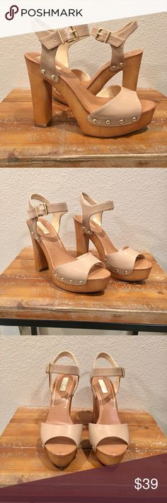 """Nude Patent Leather Platform Heels New with box! This is my favorite type of heel. I have far too many😂 Size 8. Brand is Jessica Simpson and she does this style well👌🏼 Dress these up or down. I wear mine all year round. 1"""" wooden platform in front. 5"""" platform heel in the back Retail on this shoe is $75.00. So sassy. I love them!😍🌹 Jessica Simpson Shoes Platforms"""