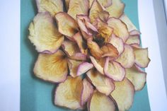 Awesome artwork to create out of dried roses!                                                                                                                                                      More