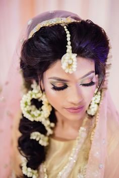 #pinkgliter #pinkshimmer #smokeyeyes #bridalmakeup #weddingmakeup #indianbride Bridal Make Up, Wedding Make Up, Wedding Ceremony, Wedding Venues, Sabyasachi Bride, Mehndi Decor, Great Neck, Rose Garland, Wedding Function