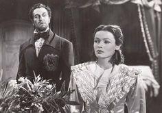 """Un clásico gótico! """" Dragonwyck """" (1946) con Vincent Price y Gene Tierney, una de las fantásticas películas que aparece en mi libro, """" Hollywood y the home front: 25 películas fabulosas de los años cuarenta."""""""