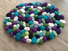 Badezimmer - Filzsteinteppich bunt - ein Designerstück von Flussdesign bei DaWanda