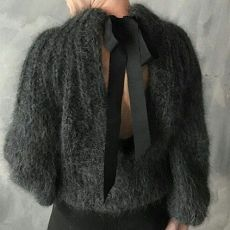 Mohair sweater and dark denims Knit Fashion, Look Fashion, Winter Fashion, Fashion Outfits, Mohair Sweater, Fashion Mode, Looks Style, Knitting Designs, Mode Inspiration