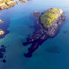 Tragumna Island Skibbereen West Cork . . . #artofvisuals #dronephotography #beautifuldestinations #westcork #agameoftones #exklusive_shot #dronesdaily #peoplescreatives #droneporn #drone #fpvracing #naturephoto #main_vision #landscape_captures #awesome_earthpix #natureaddict #rsa_rural #awesomeearth #nature_wizards #island #allnatureshots #instanaturelover #irland #inspireland_ #loveireland #cork #loves_ireland #ig_ireland #focalmarked