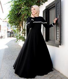 New dress black hijab abayas 54 Ideas Muslim Women Fashion, Modern Hijab Fashion, Hijab Fashion Inspiration, Arab Fashion, Islamic Fashion, Fashion Muslimah, Abaya Designs, Beautiful Prom Dresses, Cute Dresses