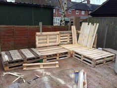 Tutorial: Pallet L-Shaped Sofa for Patio / Couch - Easy Pallet Ideas