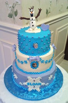 Disney's Frozen themed birthday cake