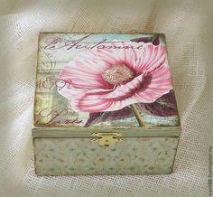 caixa...detalhe na lateral da caixa