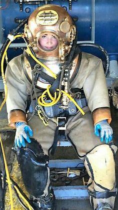 Deep Sea Diver, Diving Helmet, Scuba Girl, Hard Hats, Fighter Pilot, Sports Games, Snorkeling, Scuba Diving, Firefighter
