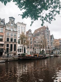 Amsterdam Canals, Amsterdam Travel, City Aesthetic, Travel Aesthetic, Neymar, Places To Travel, Places To Go, Amsterdam Photography, Urban Outfitters