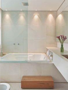 Banheiros Iluminados | Acervo de Interiores