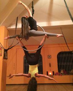 """""""Extrañandolas Clases de lira martes 7pm en @yogacenterplus Duo por las bellas profes @sheyla_homsi y @alietteramirez """""""