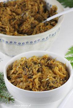 Kapusta z grzybami. Cabbage with mushrooms. Polish Christmas, Polish Recipes, Polish Food, Vegetable Side Dishes, Holiday Recipes, Chili, Cabbage, Stuffed Mushrooms, Food And Drink