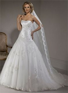 A-line Scoop Neckline With Lace Appliques Tulle Wedding Dress WD1724 www.tidedresses.co.uk $368.0000