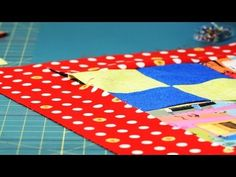 Learn how to attach quilt borders from quilting expert Cathy Izzo in this Howcast video. Quilt Border, Quilt Top, Quilting Tips, Quilting Tutorials, Sewing Crafts, Sewing Projects, Heritage Crafts, Simple Borders, Thing 1
