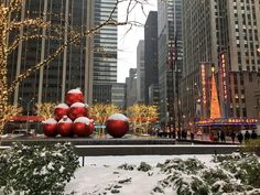 The iconic image of New York City during Christmas by - New York City Feelings New York Christmas, Christmas Town, New York City, Empire State Of Mind, Nyc, New York Photos, Manhattan New York, I Love Ny, Chrysler Building